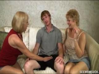 две блондинки бабулек сосать большой петух