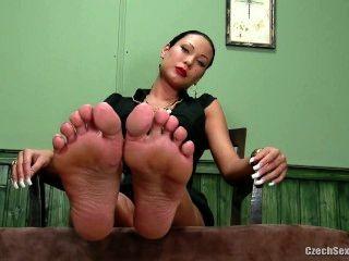Никитский сексуальные ноги
